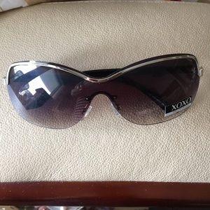 XOXO Men's Aviator Sunglasses Black Silver